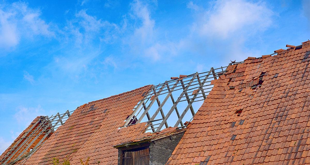 sturmschaden dach muenchen dachdecker 00 - Sturmschäden am Dach in München